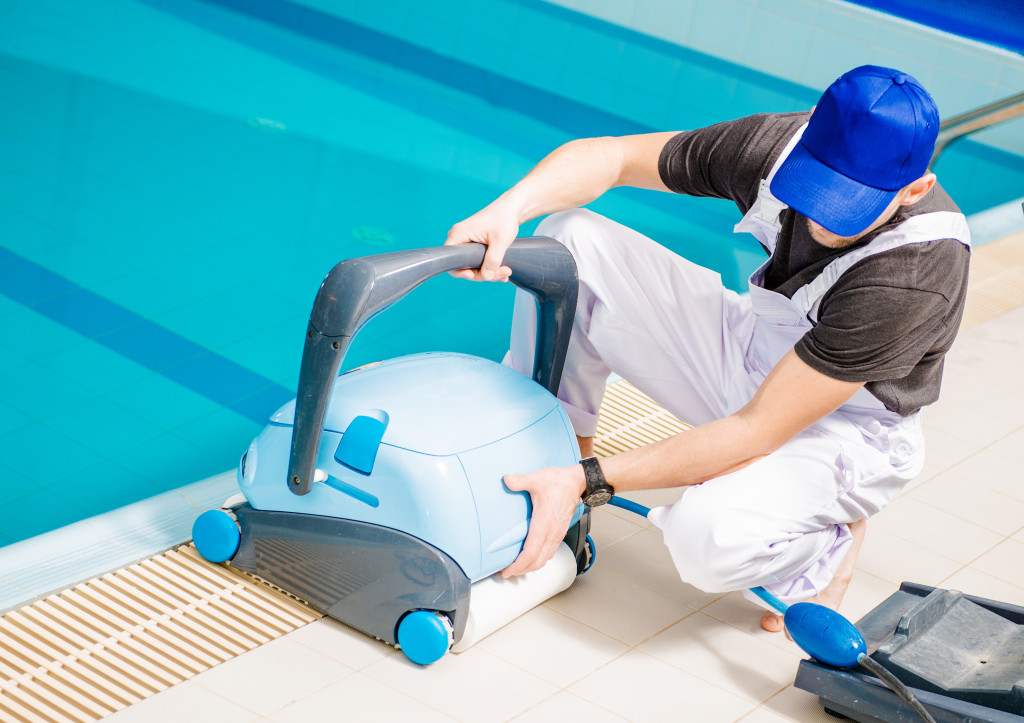 pool maintenance worker